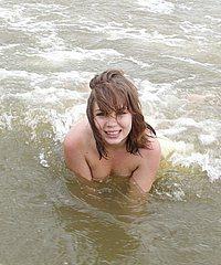 Beach Babes Flashing